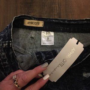 Aphrodite Jeans - Aphrodite Jeans